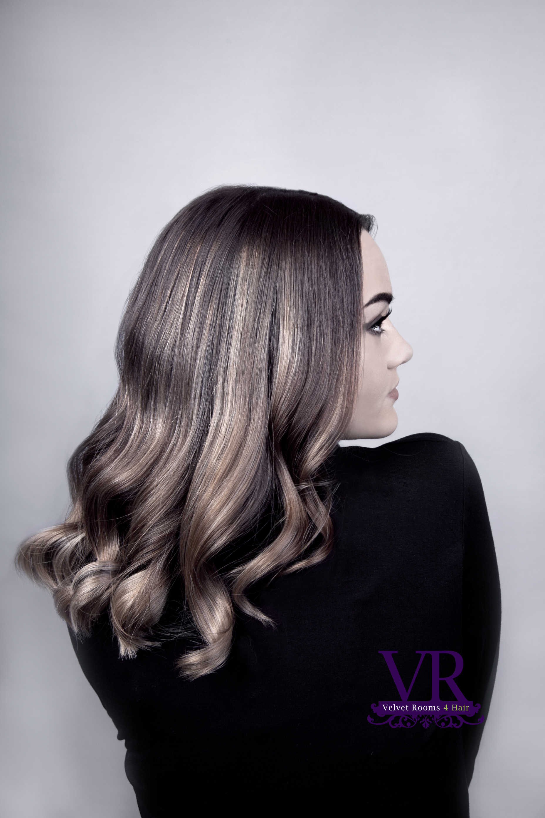 Velvet Rooms - Long dark soft curled hair