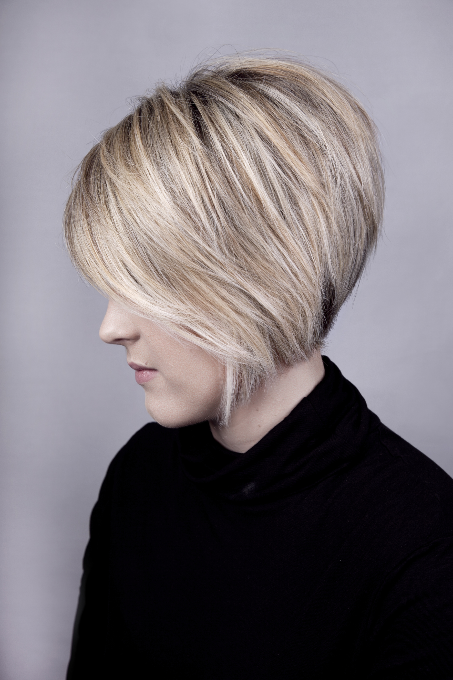 Short graduated blonde bob hair cut